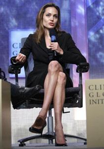Angelina Jolie sempre più scheletrica