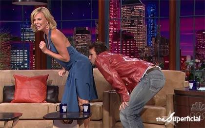 Dane Cook kiss Charlize Ass